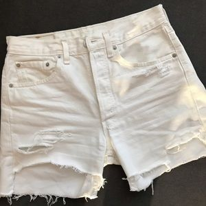 Levi Distressed high-waisted Cut-off Shorts